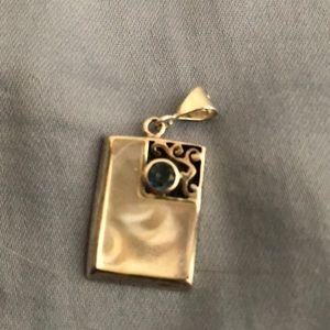 Custom necklace pendent - Saphire stone